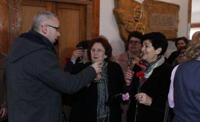 Urim i ngrohtë për mësuesit pensionistë të qytetit të Korçës. Mirënjohje për punën e palodhur në vite.