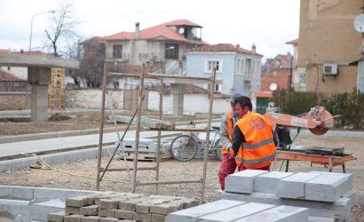 Vazhdon puna per sistemimin dhe lidhjen e dy rrugëve ¨Floresha Myteveli¨ dhe ¨ Ajet Gjindolli¨,