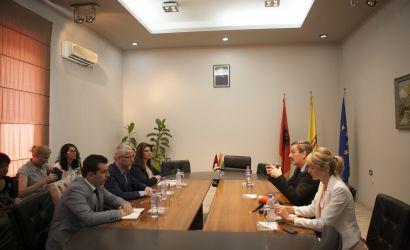 Ambasadori Hungarez viziton Bashkinë e Korçës