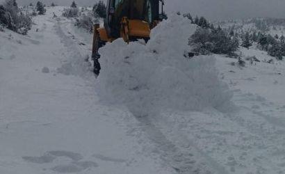 Vijon puna për pastrimin e akseve rrugore nga rreshjet e borës