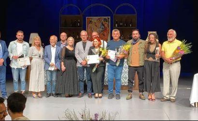 """Përfundon """"Festivali Mbarëkombëtar i Komedisë"""" në Korçë"""