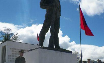 """Perkujtohet me nderim dhe respekt 5 Maji """"Dita e Deshmoreve"""""""