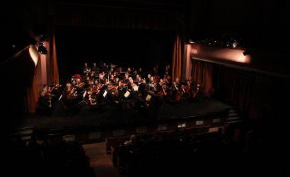 Shoqëria Orkestrale e Këlnit performon për publikun korçar